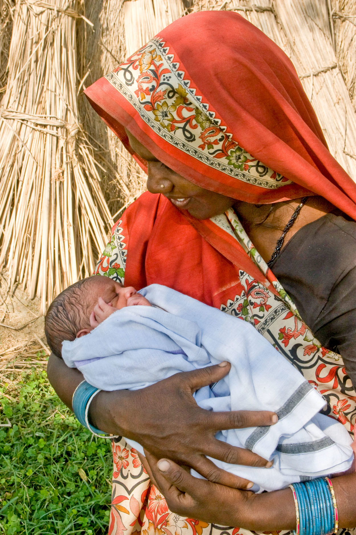 A mother and her newborn in Uttar Pradesh India, Credit: Bill & Melinda Gates Foundation